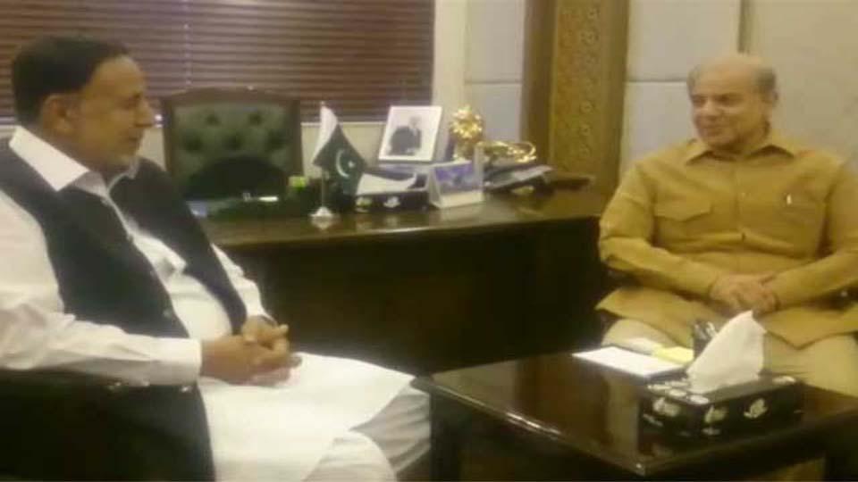 پنجاب کے نگراں وزیراعلیٰ کے حوالے سے شہبازشریف اور محمود الرشید کی ملاقات بے نتیجہ نکلی