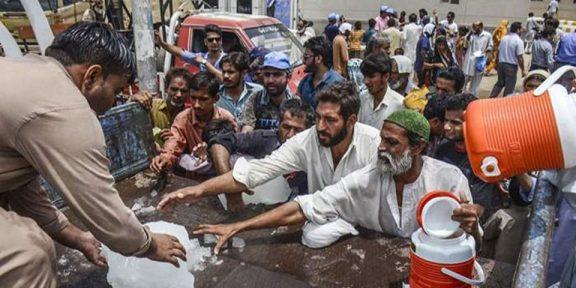 کراچی میں شدید گرمی،درجہ حرارت 42 ڈگری سے تجاوز کرگیا
