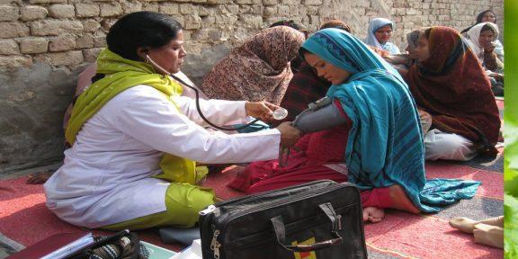 پاکستان صحت کے شعبے میں بنگلادیش، سری لنکا اور بھارت سے بھی پیچھے