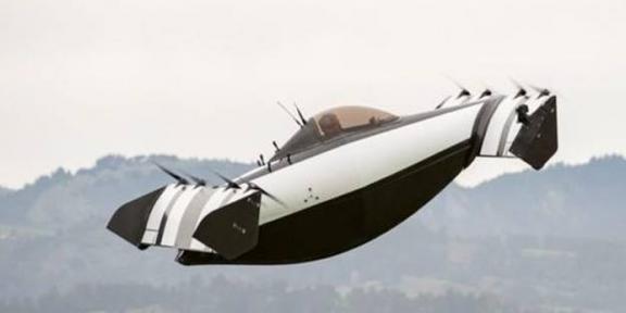 امریکی ماہرین نے فضا میں اڑنے والی جدید گاڑی متعارف کرادی