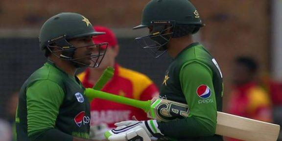 ٹرائنگولر سیریز پاکستان نے زمبابوے کے 7 وکٹوں سے شکست دیدی
