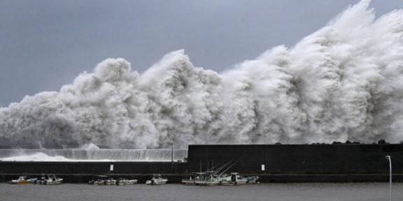 جاپان میں سمندری طوفان نے تباہی مچادی