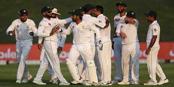 ابوظہبی ٹیسٹ، پاکستان کی آسٹریلیا کے خلاف 281 رنز کی برتری
