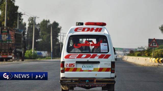 کراچی: مسافر کوچ کے الٹنے سے ایک شخص جاں بحق، متعدد زخمی