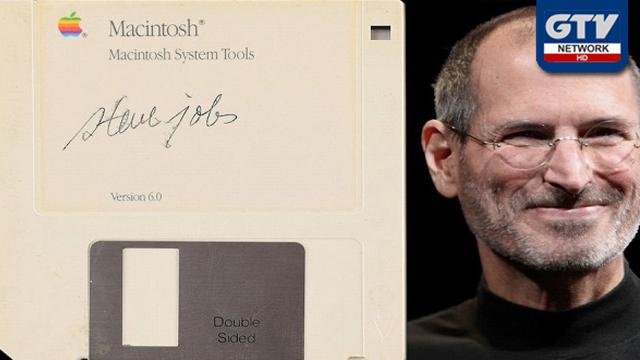 ایپل کمپیوٹرز کے بانی اسٹیو جابز کے دستخط والی فلاپی ایک کروڑ تیس لاکھ میں فروخت