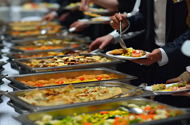 Dinner in covid wedding