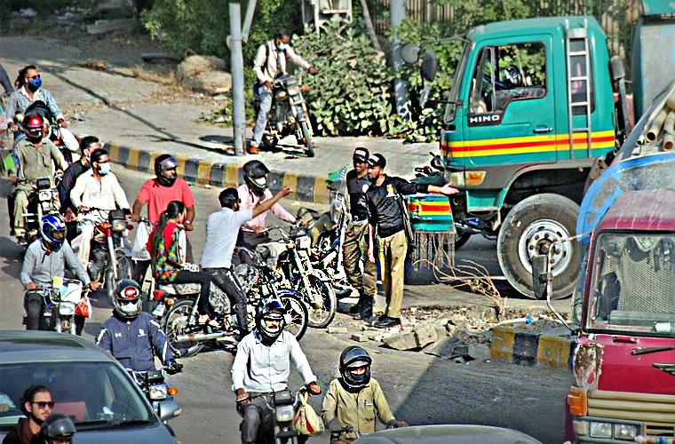 کراچی میں ٹریفک جام