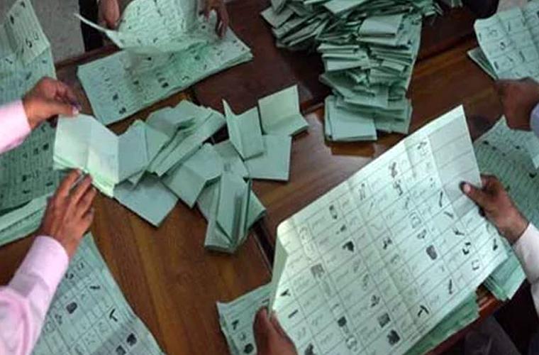 ووٹوں کی دوبارہ گنتی کا