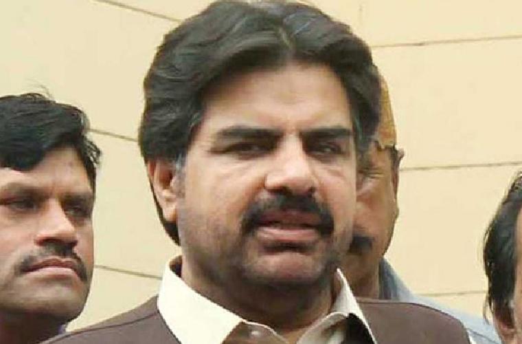سندھ میں روزانہ دو لاکھ 93 ہزار ویکسین لگائی جا رہی ہیں: وزیر بلدیات سندھ