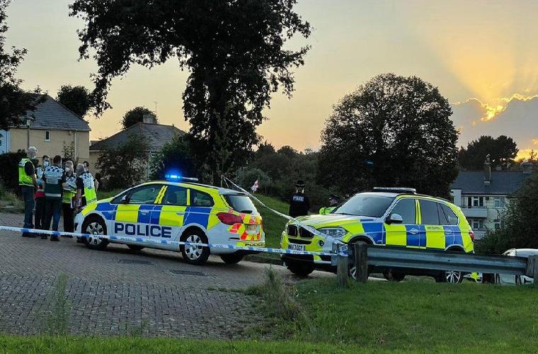 برطانیہ کے شہر میں فائرنگ: حملہ آور سمیت چھ افراد ہلاک